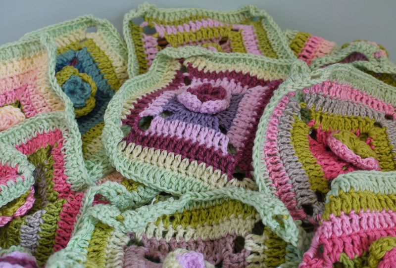Crochet-in-basket2