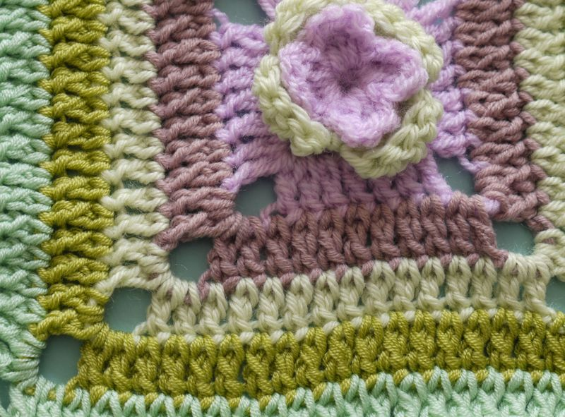 Crochet-sq.close-purples
