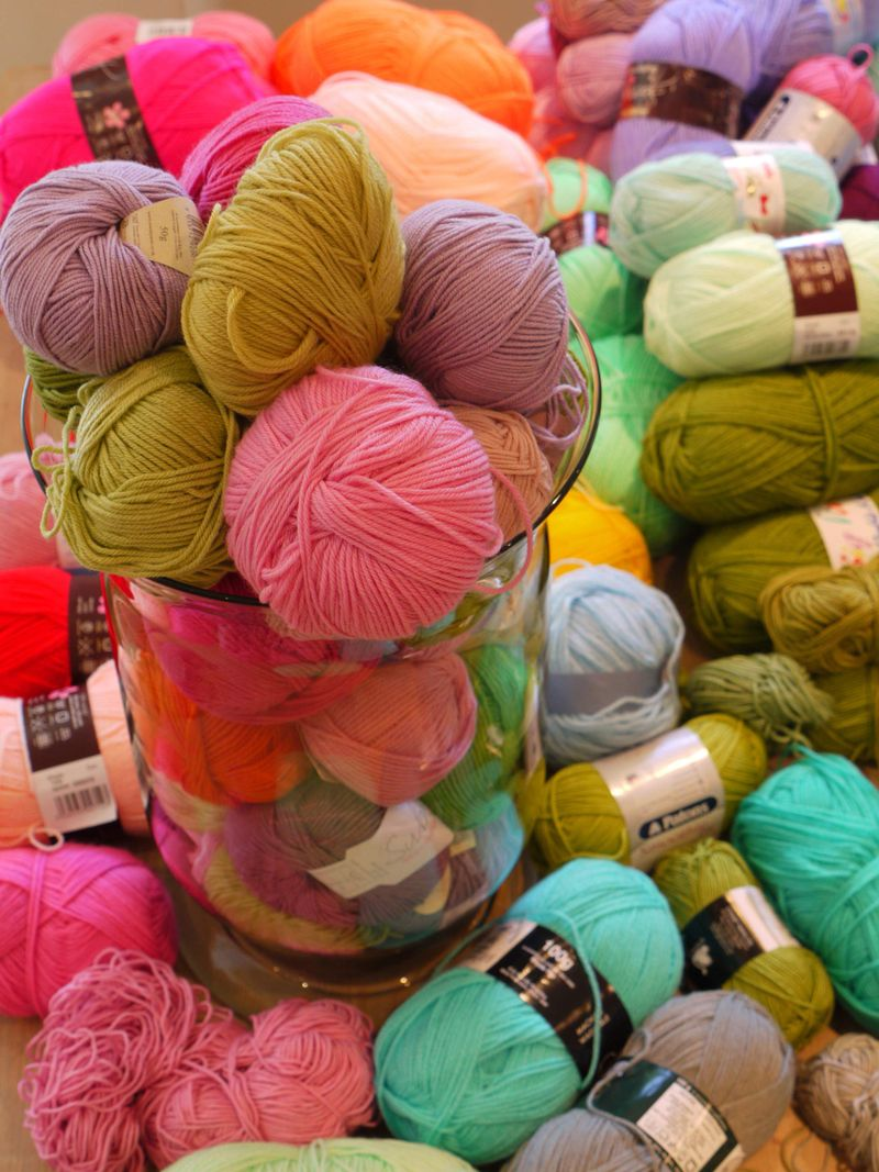 Yarn-vase-2