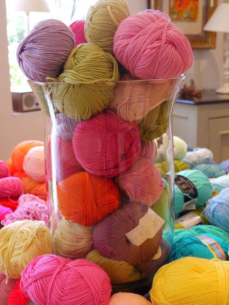 Yarn-in-vase-6