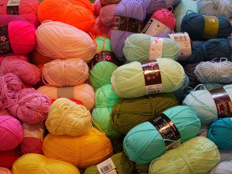 Yarn-on-table