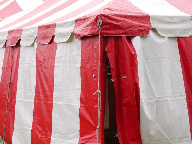 Stripe-tent