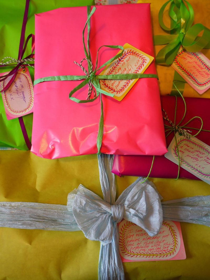 Gifts-for-hen-2