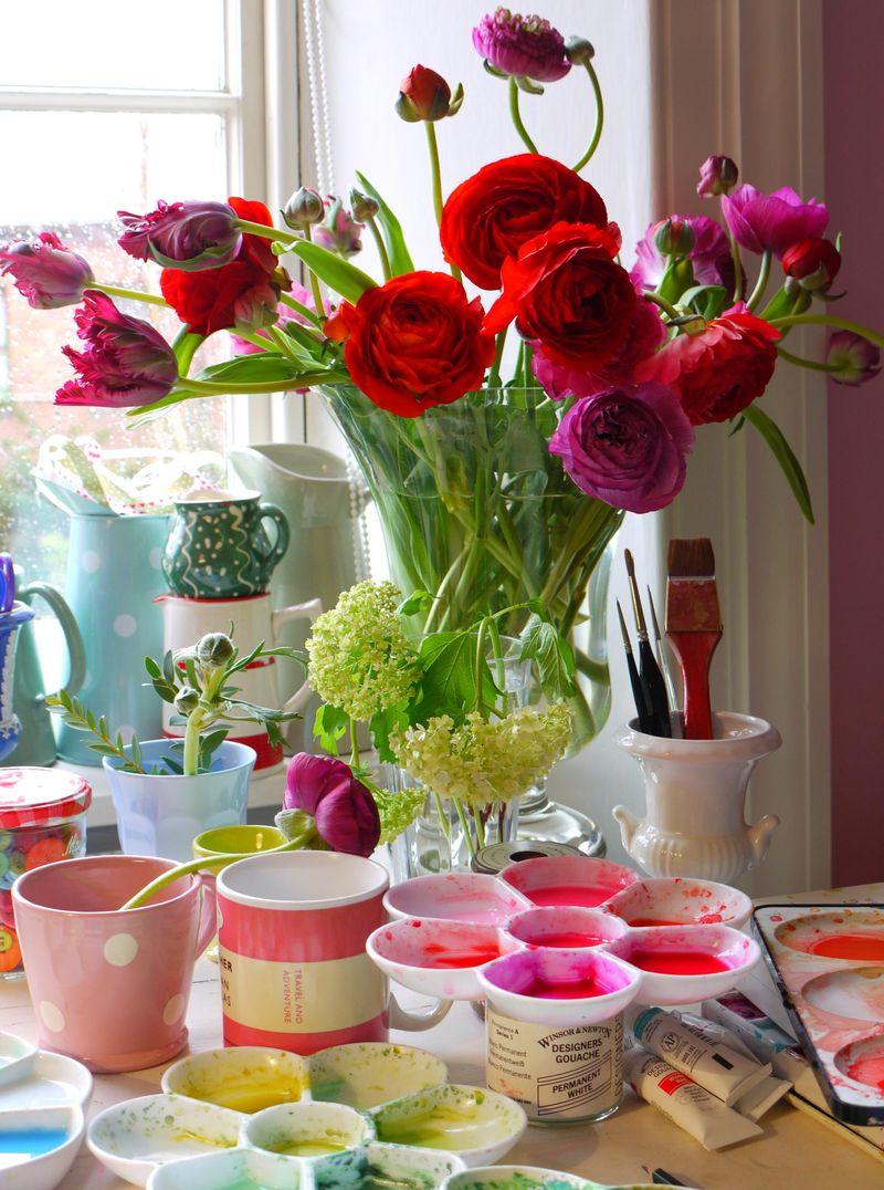FLOWERS-ON-DESK