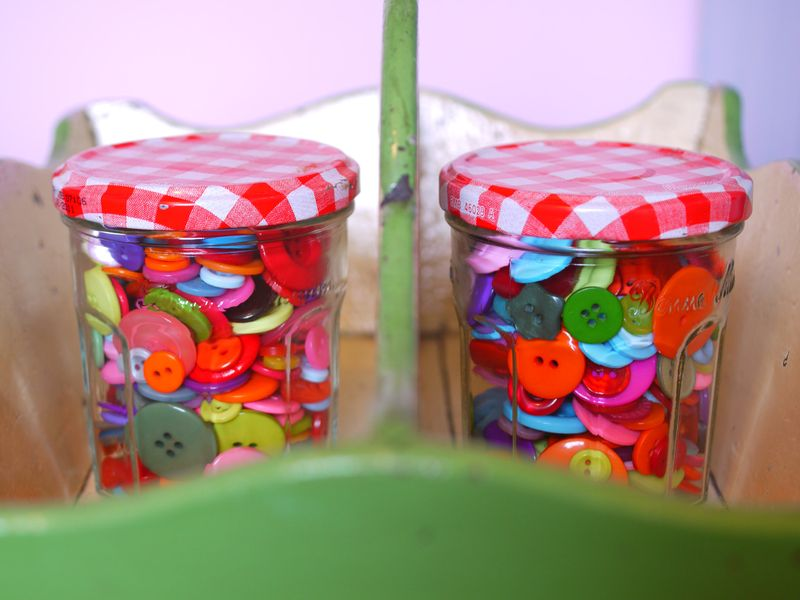 Buttons-in-jar,-1st-pic