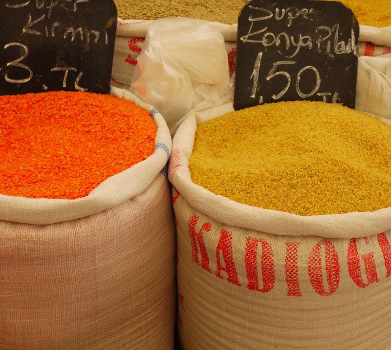 Turk,-lentils,-market