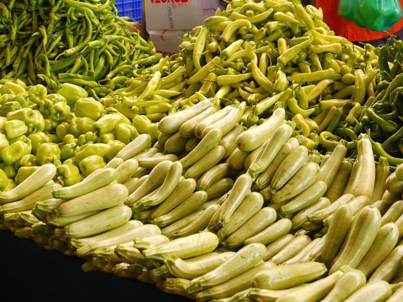 Turk,-market,-peppers-green