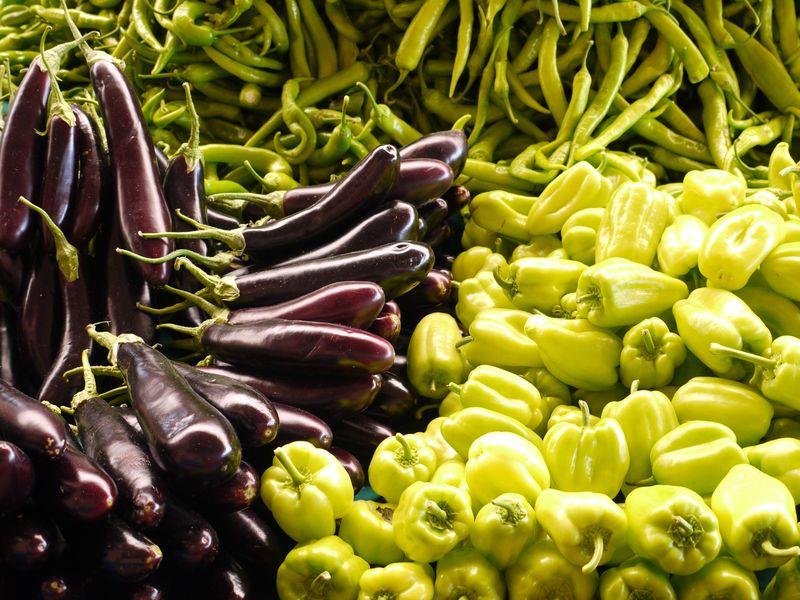 Turk,-green-purple,-market