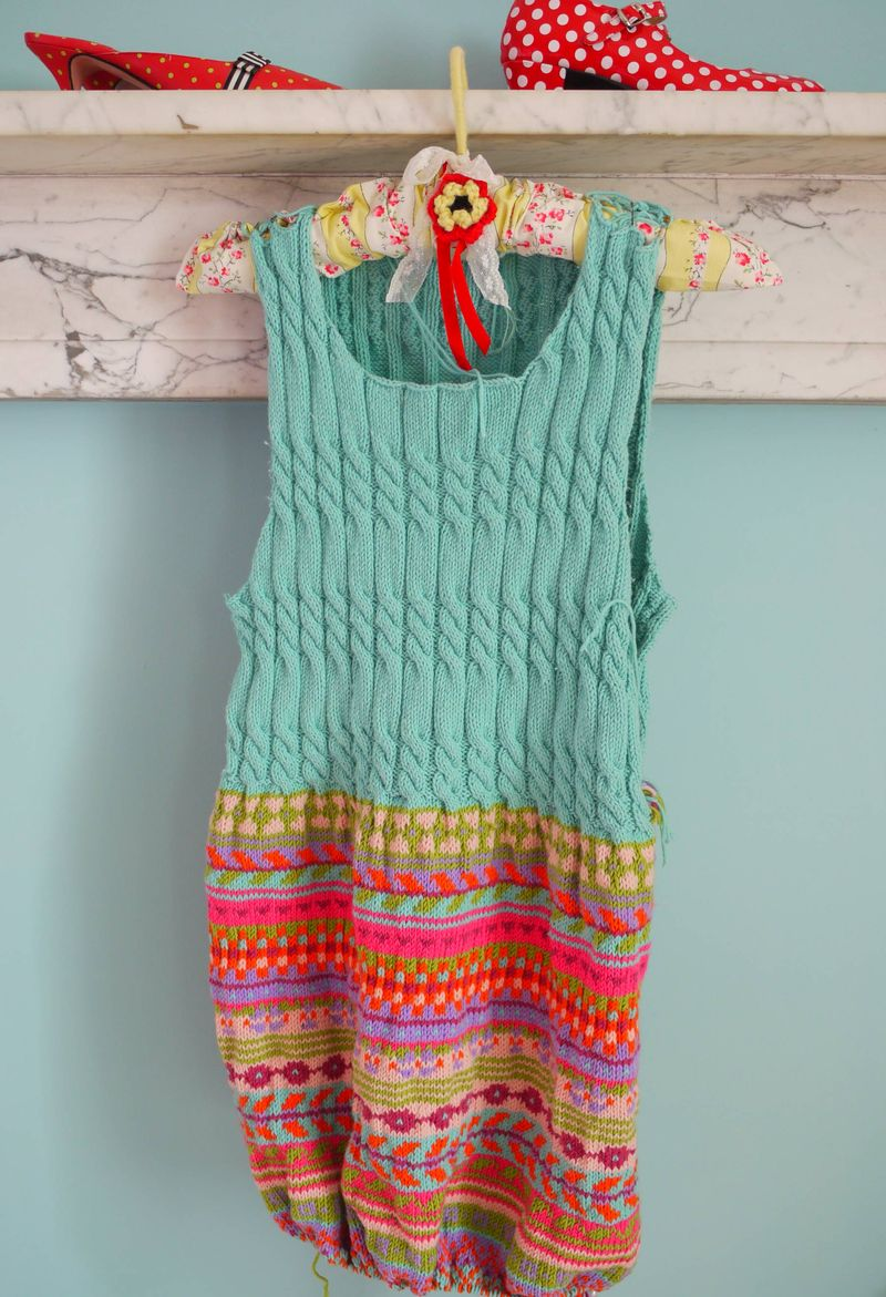 Fi-dress-on-hanger-shoes,-c