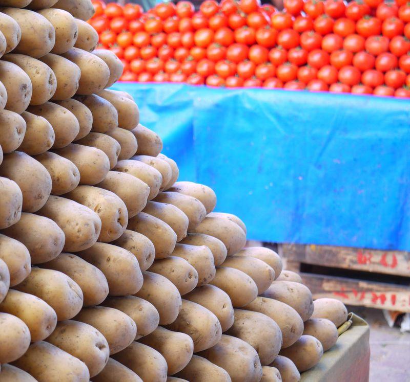 Turk,-pots-market