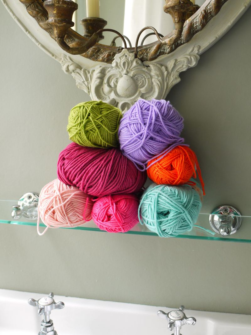 Yarn-stacked,-no-turq,-pic-