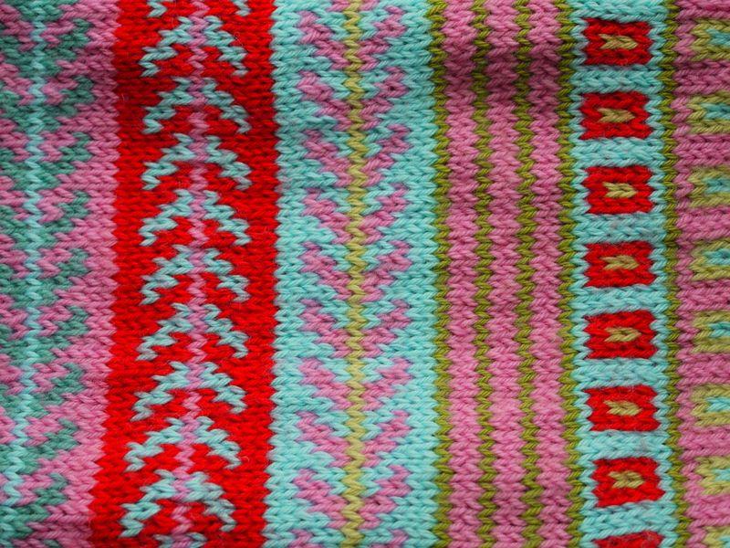 Fair-isle-scarf-detail