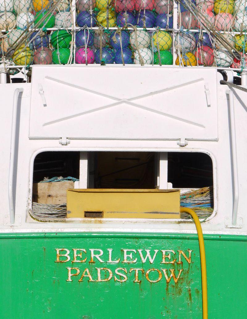 Boat-w-buoys