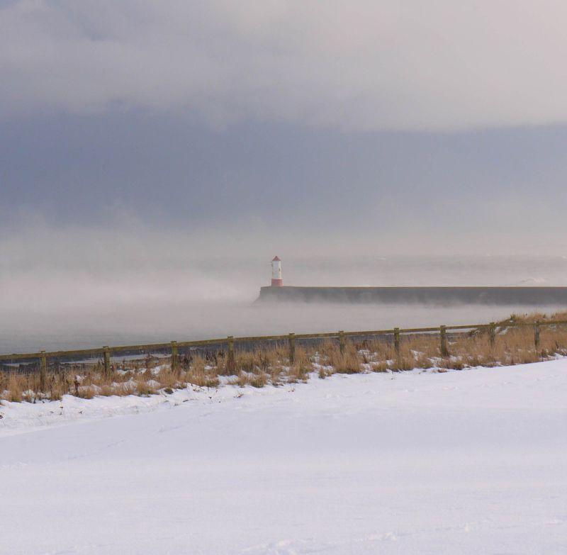 Beach,-lighthouse