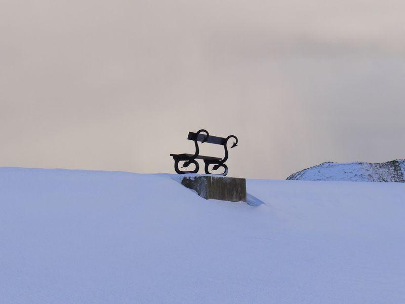 Bench,-snow