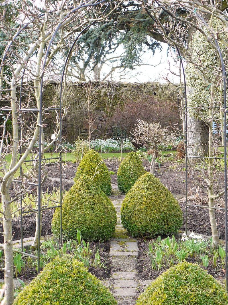 Topiary,-gazebo