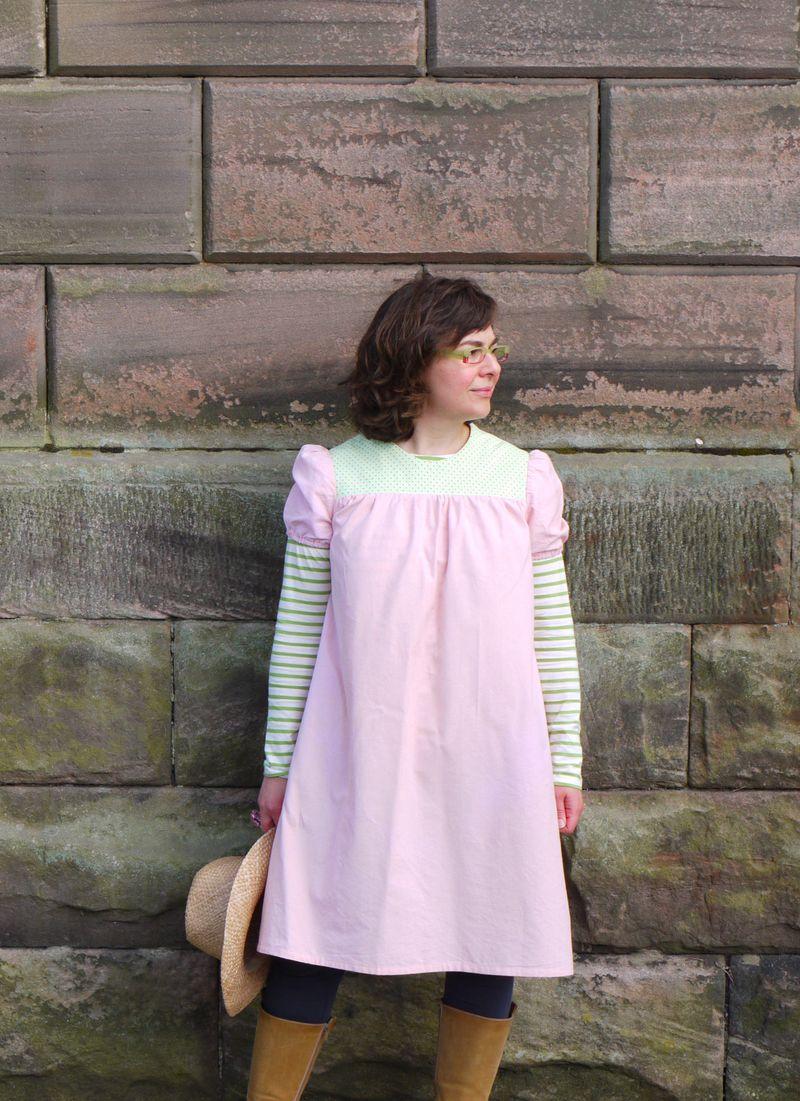 Full-dress,-wall