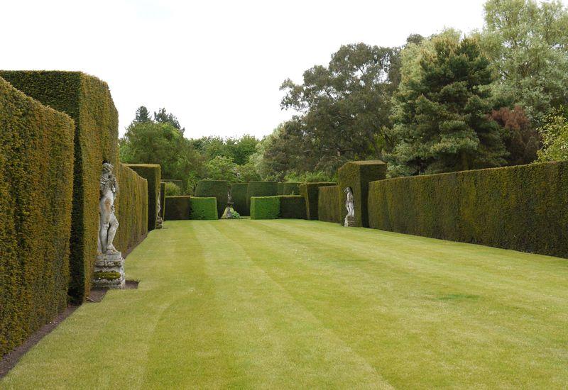Lawn,-statues