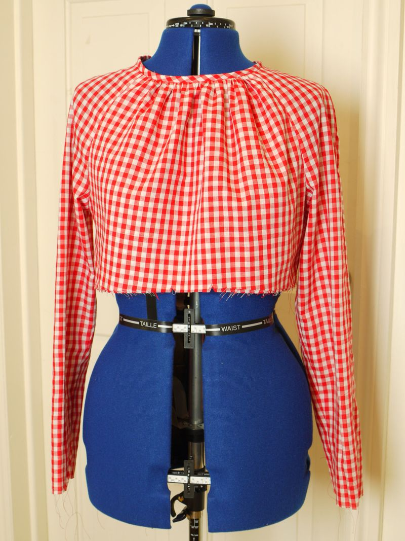 Gingham-dress-on-mannequin,
