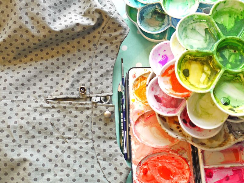 Sewing,-fabric-and-palettes