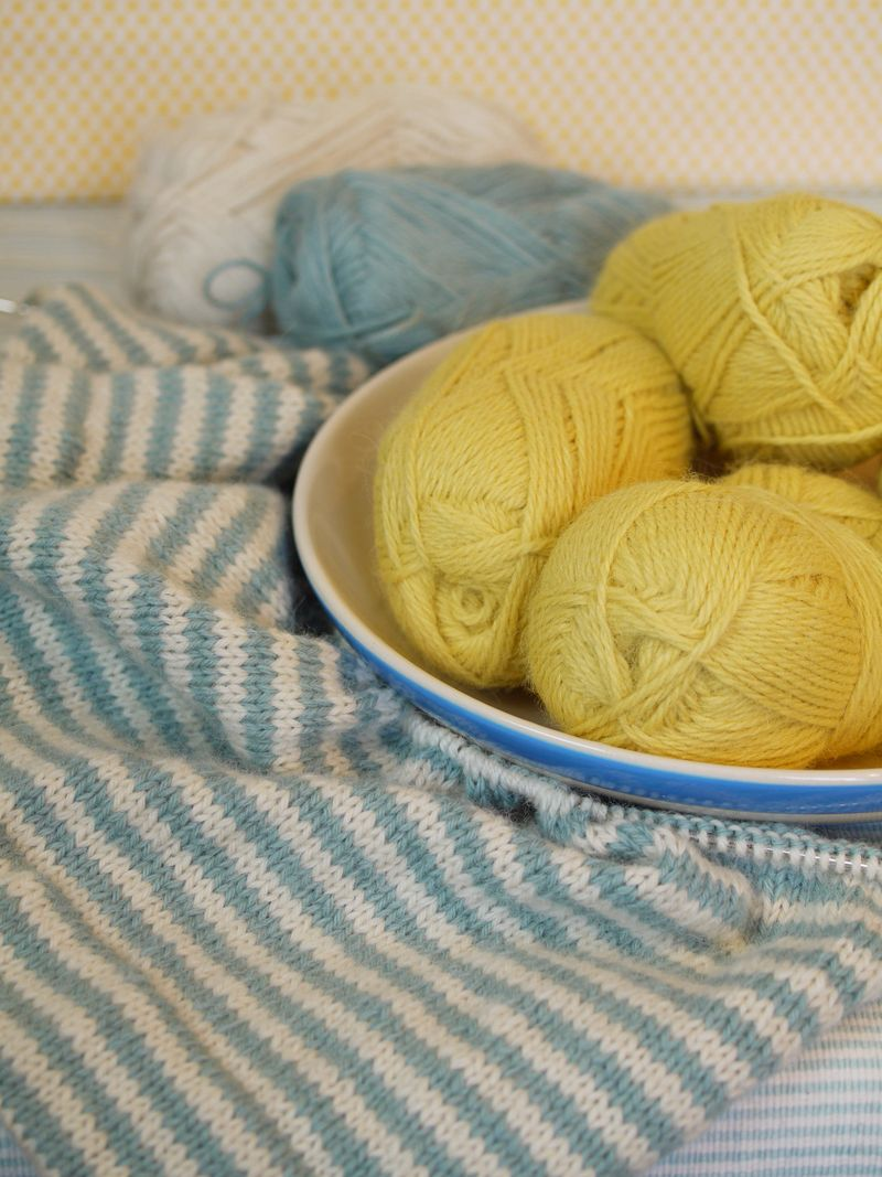 Yarns-and-bowl